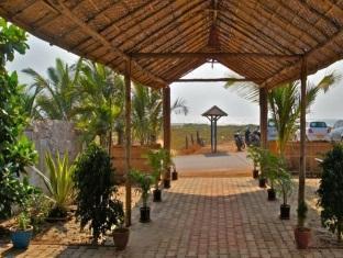 Morjim Breeze Resort North Goa - Entrance