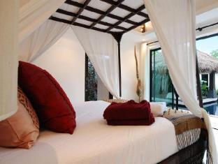 Villas Aelita Pool Villa Resort Пхукет - Вітальня