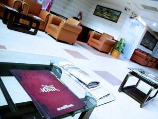 Hotel 71 Dhaka - Lobby