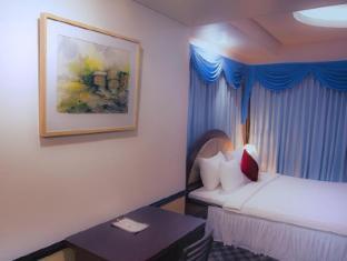 Hotel 71 Dhaka - Royal Suite Room