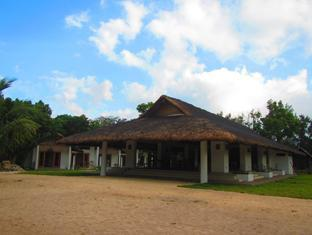 Kingfisher Sand Sea Surf Resort Pagudpud - Restauracja