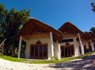 Kingfisher Sand Sea Surf Resort Пагудпуд - Номер