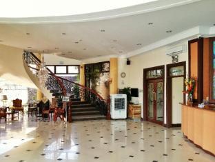 /crown-royale-hotel/hotel/bataan-ph.html?asq=jGXBHFvRg5Z51Emf%2fbXG4w%3d%3d