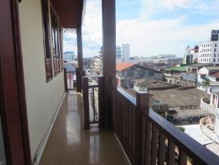 KP Hotel Vientiane - Balcony/Terrace