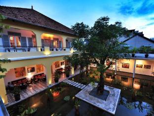 The Plantation Urban Resort and Spa Phnom Penh - Lotus Pond Gallery