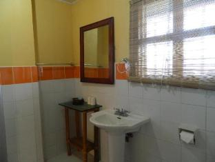 The Sun Villa Resort and Spa Hilltop Boracay Island - Bathroom