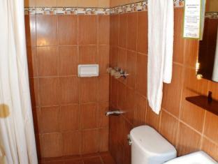 Las Casitas de Angela Inn Davao City - Bathroom
