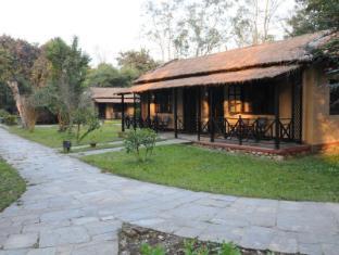 Royal Park Hotel Chitwan - Hotel Aussenansicht