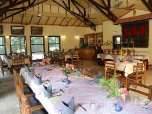 Royal Park Hotel Chitwan - Étterem