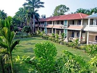 Hotel Wild Life Camp Chitwan - Hotellet från insidan
