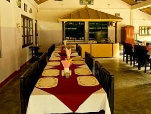 Hotel Wild Life Camp Chitwan - Restaurang