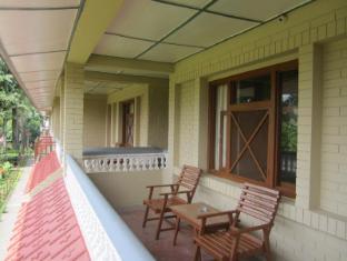 Hotel Wild Life Camp Chitwan - بلكون/شرفة