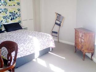Golden Grove Hotel B&B Sydney - Level One Suite