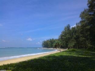 Panpen Bungalow Phuket - Beach