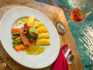 Rama Shinta Hotel Candidasa Бали - Храна и напитки