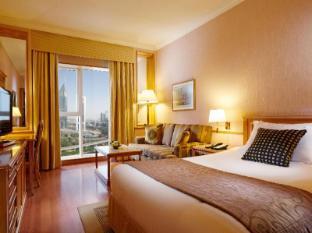 Crowne Plaza Dubai Dubai - relaxing standard room with a view