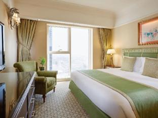 Crowne Plaza Dubai Dubai - bedroom in the Royal Suite