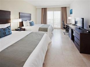 La Quinta Inn & Suites Cancun Reviews