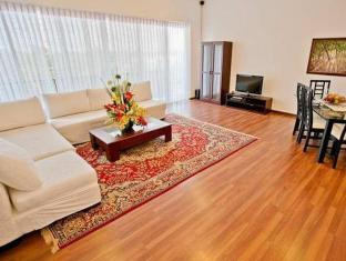 Breeze Apartment Colombo - 2 Bedroom Sitting & Dinning Area