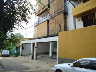 Breeze Apartment Colombo - Exterior