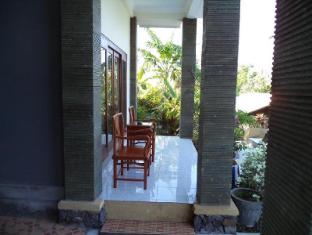 Anugerah Villas Amed Bali - Balcó/terrassa