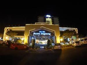 Putra Regency Hotel