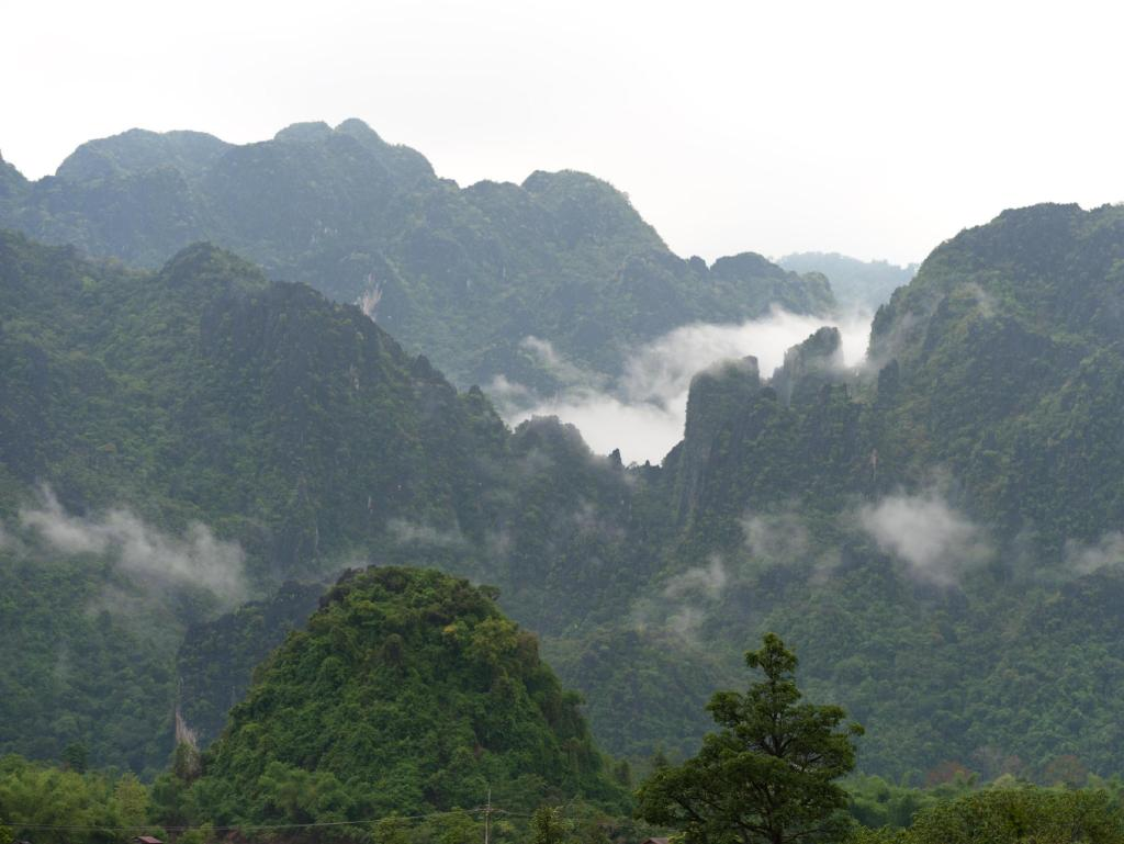 Silver naga hotel hotels book now for Domon guesthouse vang vieng