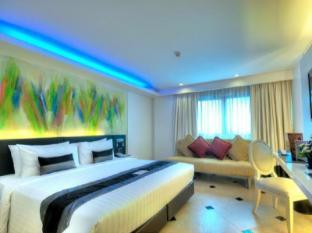 Skyy Hotel