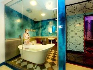 Langit- Langi Hotel Kuala Lumpur - Signature Bath