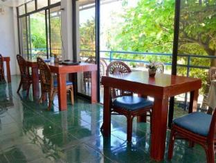Blue Corals Beach Resort Malapascua Island - Restaurant