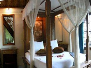 Gunung Merta Bungalows Bali - Külalistetuba