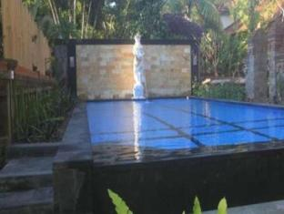Gunung Merta Bungalows Bali - Swimming Pool