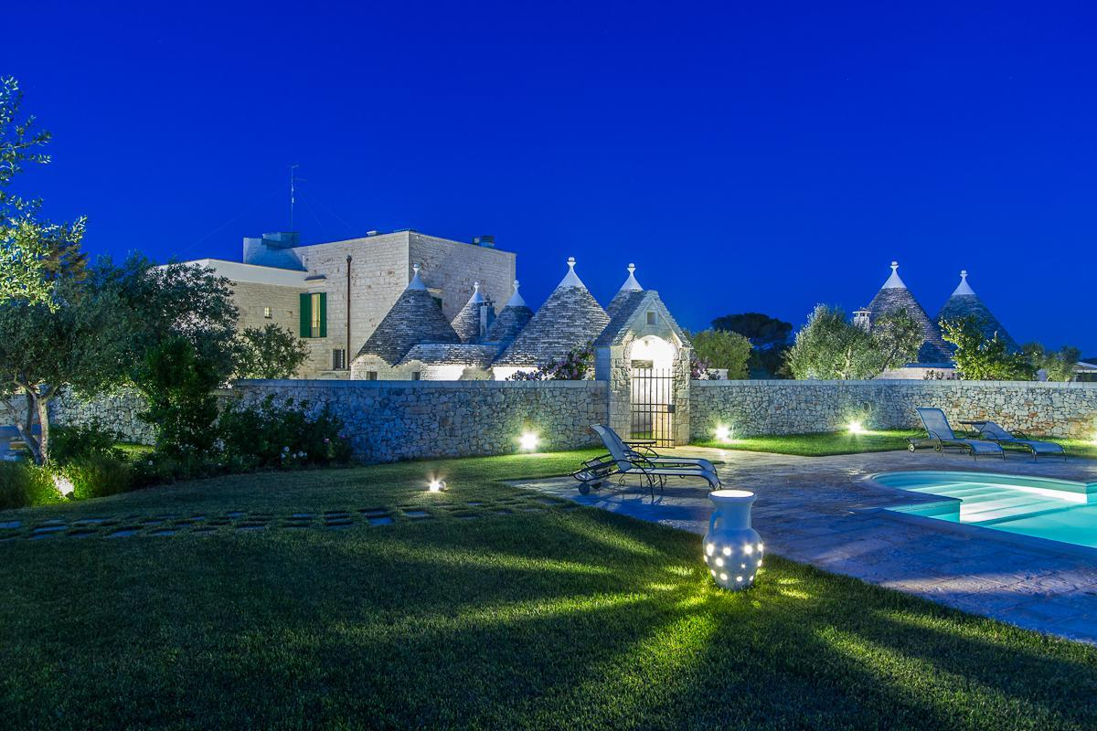 Trulli In Ancient Farm With Pool