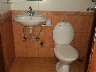 Ti-se Guest House Kathmandu - Bathroom