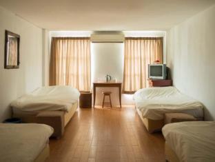 Golden House @ Silom Bangkok - Dormitory room
