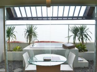 HARRIS Hotel & Residences Sunset Road Bali - Ausstattung