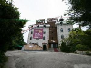 Goodstay Line Hotel