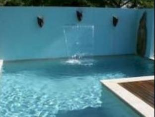 Airlie Beach Myaura Bed and Breakfast Whitsunday Islands - حمام السباحة