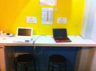 A Beary Good Hostel Singapore - Internet Corner