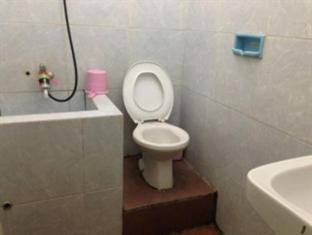 Orchid Guest House Surabaya - Bathroom