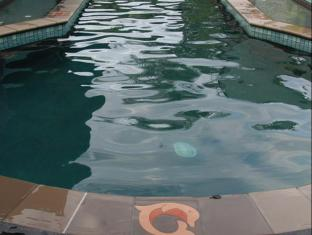 Franklin Villa Brisbane - Swimming Pool