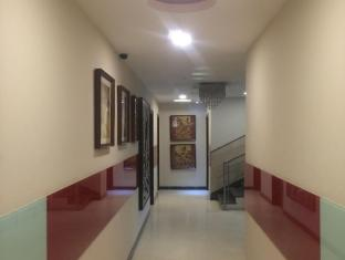 AT Residency New Delhi and NCR - Corridor