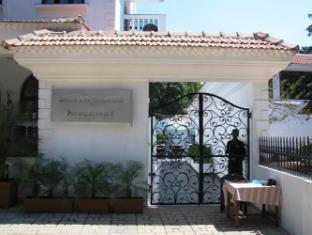 Silver Sands Hideaway Hotel North Goa - Hotel Entrance