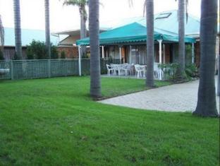 Abcot Inn Sydney - Garden