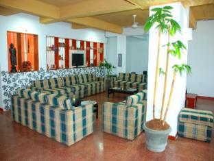 Sea Garden Hotel Negombo - Lobby Area