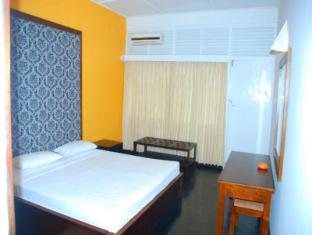 Sea Garden Hotel Negombo - Standard sea view Rooms