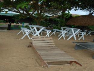 Sea Garden Hotel Negombo - Garden Area