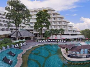 Andaman Embrace Resort & Spa Patong Beach फुकेत - तरणताल