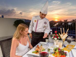 Andaman Embrace Resort & Spa Patong Beach Phuket - Restaurant