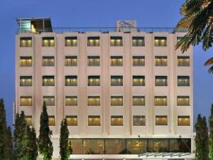 Hotel Marasa Sarovar Portico - Rajkot
